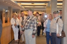 Sukulaisia tutustumassa Sibeliustaloon